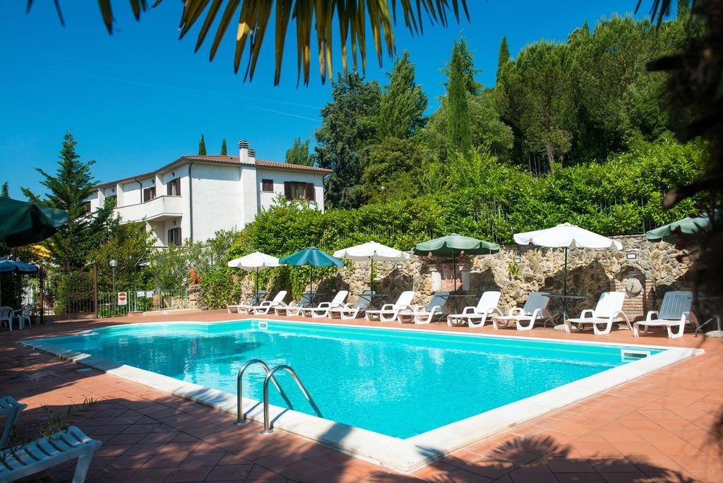 Hotel con ristorante e piscina a Magione – Pian di Carpine