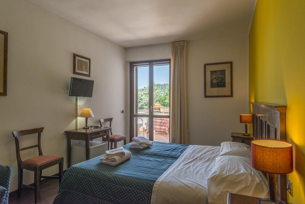 hotel con piscina Lago Trasimeno